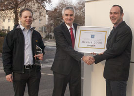 the official distinction of ZF as 2,000th member of the EtherCAT Technology Group