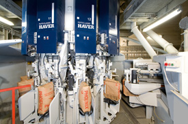 Rotoclassic rotary packer from Haver Filling Systems can fill up to 6,000 25-kg or up to 5,200 50-kg valve bags per hour.